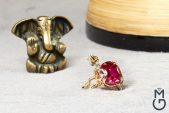 Кольцо из золота с корундом и бриллиантами