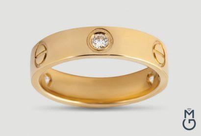 Золотое кольцо Love