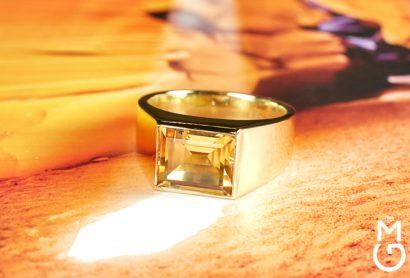 Астрологическая печатка из желтого золота с цитрином