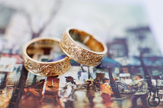Необычные парные обручальные кольца