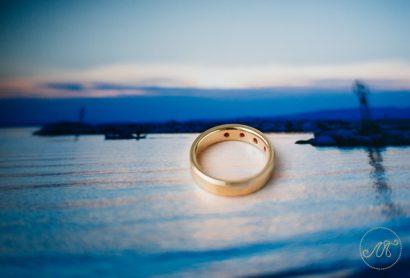 обручальное кольцо с рубинами