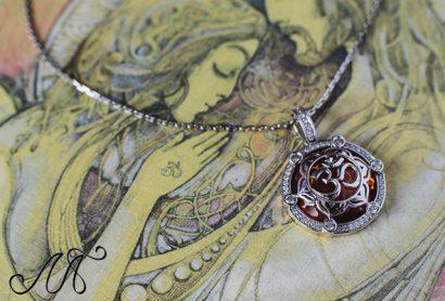Эксклюзивный кулон из золота с бриллиантами