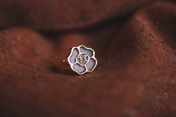 Кольцо из розового золота с розовым опалом