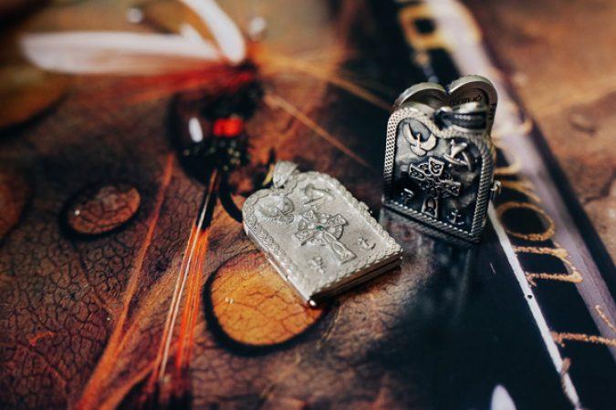 Мужской открывающийся серебряный кулон