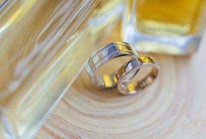 Обручальные кольца с орнаментом в стиле Тиффани