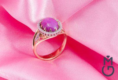 Золотое кольцо со звездчатым рубином