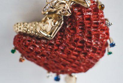Женский золотой кулон с русалкой
