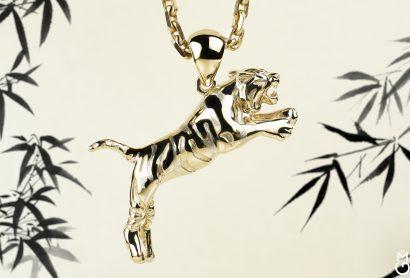 Золотая подвеска Тигр